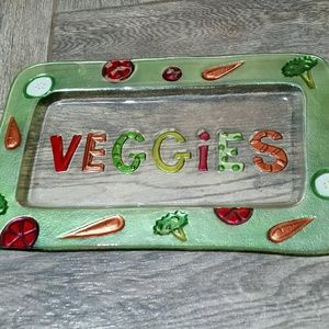 """Add Festive Color with this """"Veggies"""" Plate"""